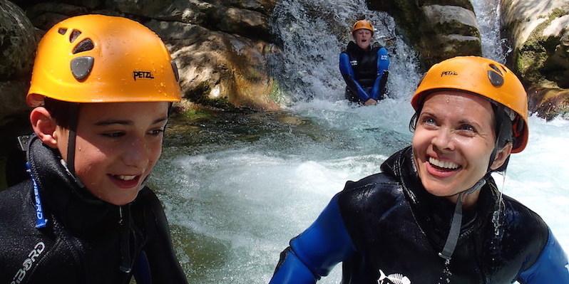 Demi-journée canyoning dans les Gorges du loup Alpes Maritimes 06.