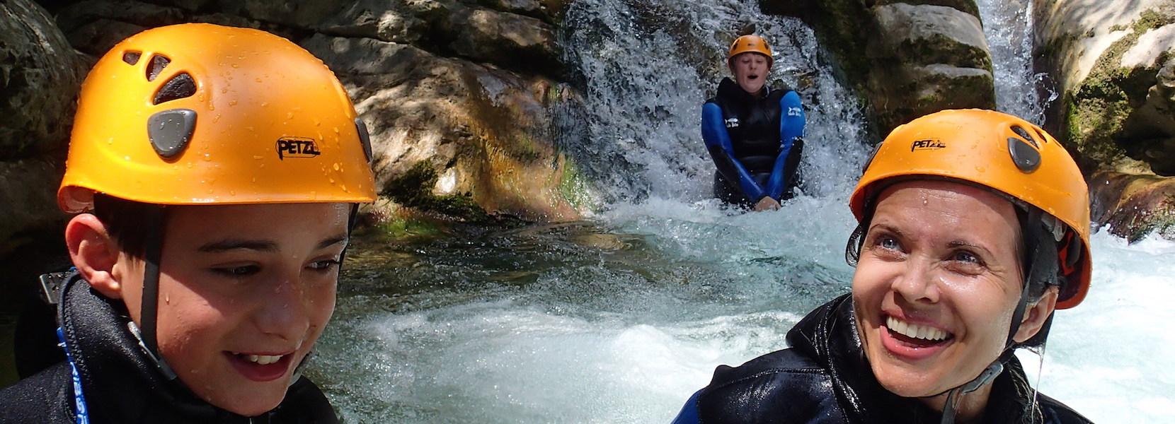 Initiation au canyoning dans les Gorges du loup Alpes Maritimes 06.